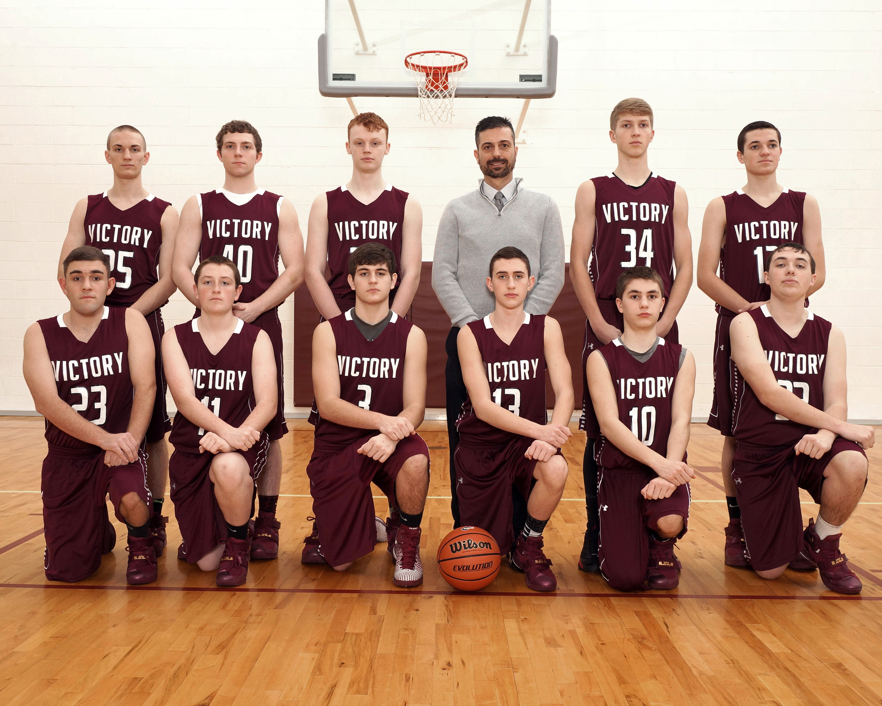 Fox_BOYS_VARSITY_BASKETBALL_GROUP306.JPG